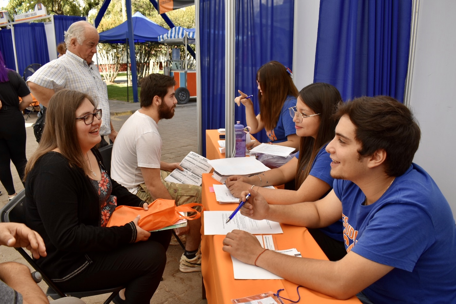 Outreach with socioeconomic actors